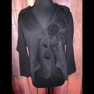 Sunny Leigh Black blazer size XL with 🌹 appliqué